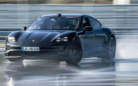 Porsche Taycan drift record 20 lv